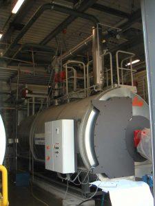 Versorgung eines Erdgasspeichers mit Wärme zur Erdgaswiederaufheizung